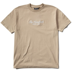 THE HUNDREDS / RICH EMBROIDERY TEE (SAND)